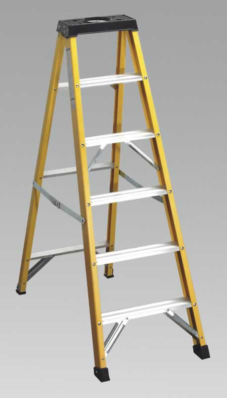 Fibreglass Step Ladder 5-Tread BS2037/1