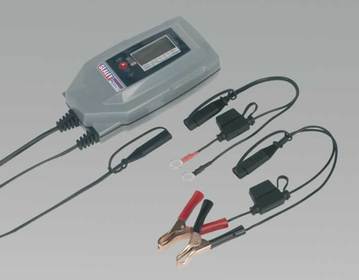 Compact Auto Digital Battery Charger - 7-Cycle 6/12/24V