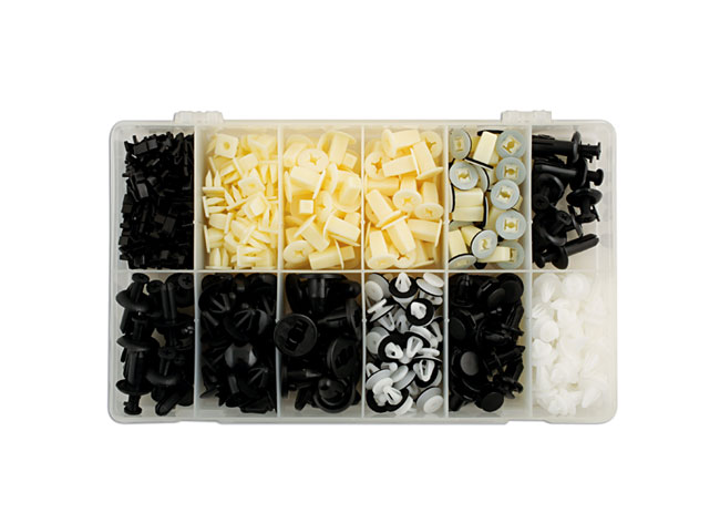 Mitsubishi Assorted Trim Clips 370pc  (AHA)